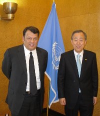 Hon. Mahinda Samarasinghe with UN SG Mr. Ban Ki-moon-3sep2009